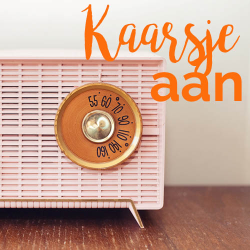 roze vintage radio