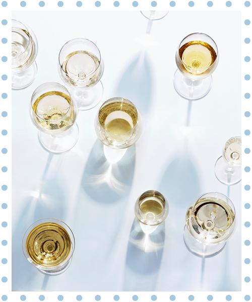 wijntjes vanaf boven gefotografeerd in zonlicht