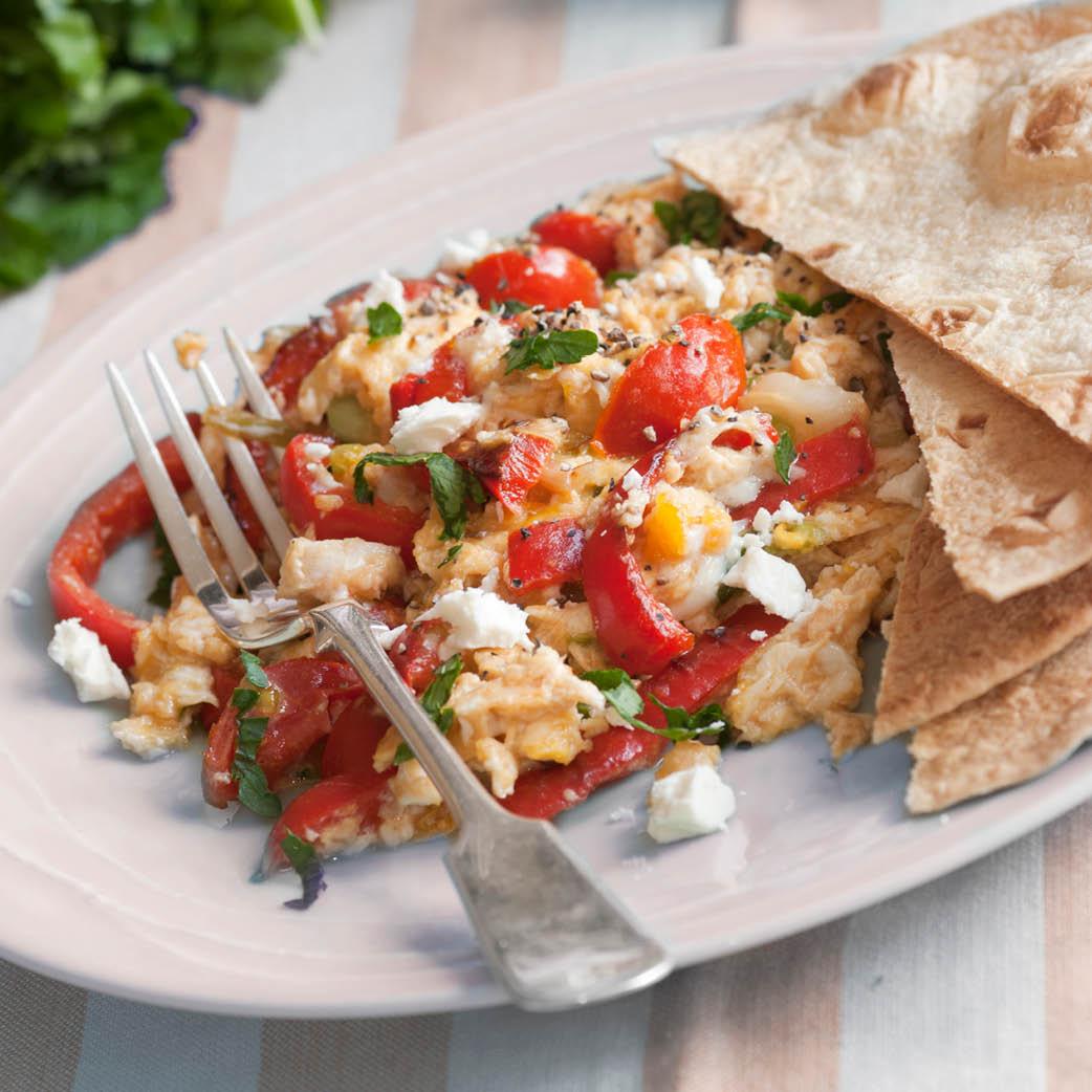 Turks roerei met tomaat en feta