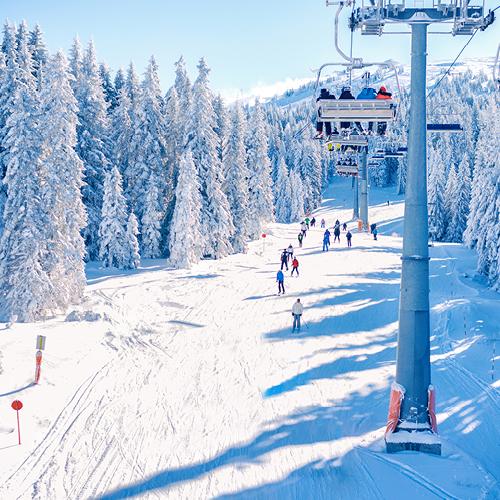 skiepiste met lift